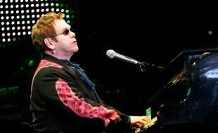 Elton John en concert à Paris Bercy en mai 2005.