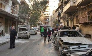 Une rue d'Alep après des tirs rebelles le 14 février 2016