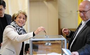 La maire LR de Montauban, Brigitte Barèges, lors des élections départementales de 2015.