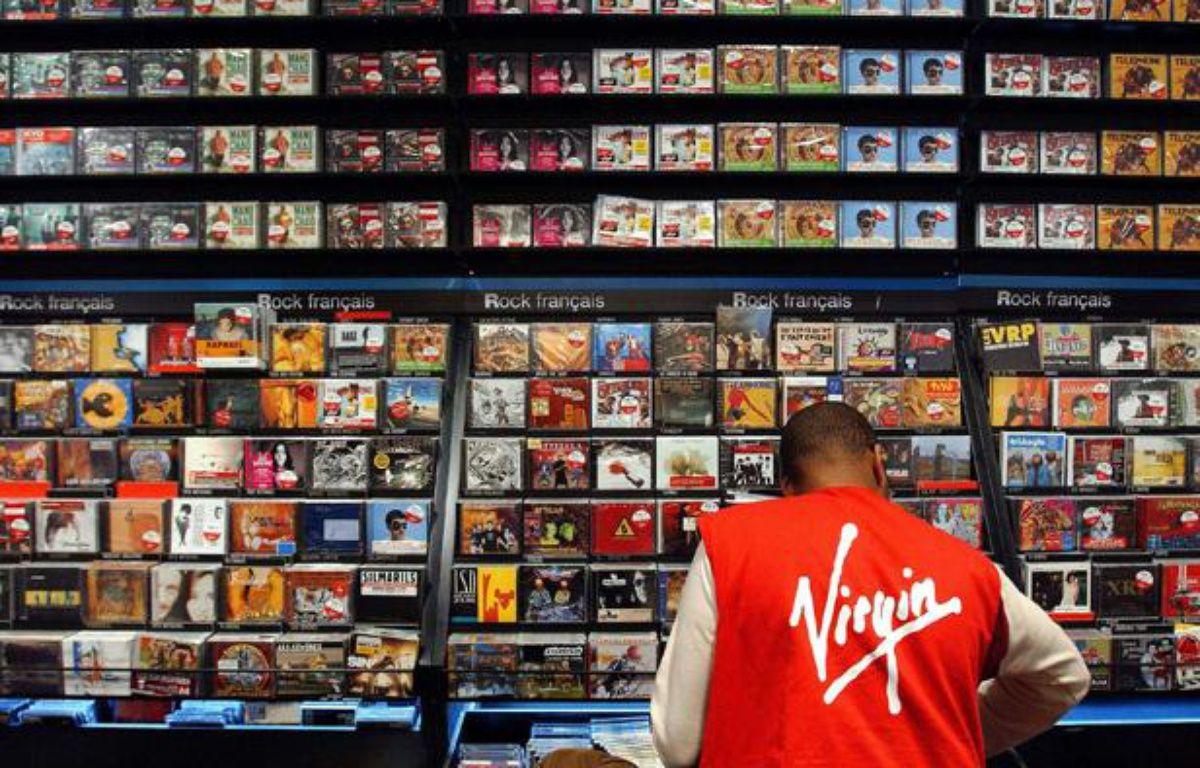 Rayon du Virgin Megastore des Champs Elysées en 2003. – IAFRATE PATRICK/SIPA