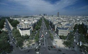 Vue sur Paris, l'avenue et la Grande Armée et l'avenue Foch, depuis l'Arc de Triomphe.