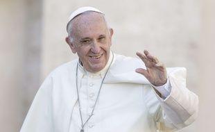 Le pape François s'est adressé à des milliers de personnes, mercredi 8 novembre 2017, place Saint-Pierre au Vatican.