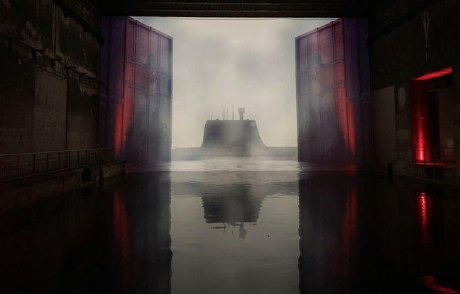 Des images rappelant le passé de la base sous-marine, sont projetées dans l'espaces des Bassins de Lumières