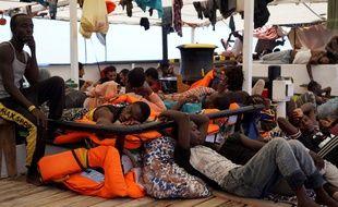 Des migrants à bord de l'Open Arms, le 17 août 2019.
