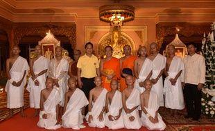Les rescapés de la grotte en Thaïlande dans le monastère de Phra That Doi Wao, le 24 juillet 2018.
