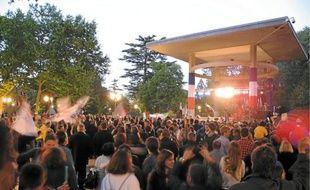 Du QG de l'UMP, où le coup est dur à encaisser, à la Comédie où la fête commençait en passant par la mairie, Montpellier a vibré dimanche soir.