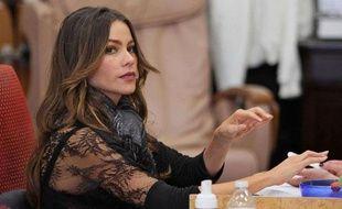 Sofia Vergara se fait les ongles à Los Angeles le 9 décembre 2011.