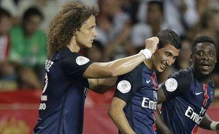 David Luiz félicite Angle di Maria, passeur décisif pour sa première apparition avec le PSG.