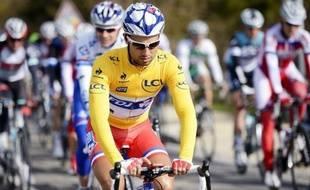 Le champion de France Nacer Bouhanni (FDJ), qui a abandonné mardi Paris-Nice sur chute, a été principalement touché au visage.