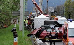 """Le semi-remorque à l'origine de l'accident qui a fait quatre morts vendredi à Chambéry avait des """"freins défaillants"""", a reconnu son conducteur devant les enquêteurs, de sorte qu'il n'a pu freiner alors qu'il était gêné par une voiture"""