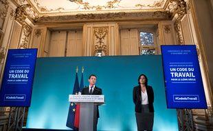 Myriam El Khomri et Manuel Valls présentent le projet de refonte du code du travail, le 4 novembre 2015