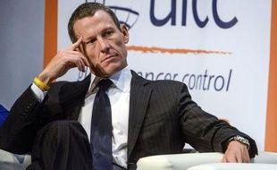 """Le coureur américain Lance Armstrong a défendu ses victoires dans la grande boucle, invalidées la semaine dernière par l'Agence antidopage américaine (Usada), répétant à l'occasion d'un congrès sur le cancer: """"Oui, j'ai gagné sept fois le Tour de France""""."""