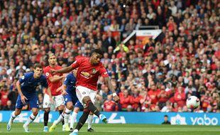 Marcus Rashford ouvre le score avec Manchester United contre Chelsea.