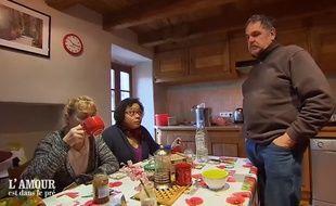 Thérèse (à gauche), Chantal et Jean-Claude lors de l'annonce du départ de Thérèse dans l'épisode de «L'Amour est dans le pré» de lundi.