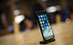 Des hackers peuvent prendre le contrôle de Google Assistant et Siri à distance