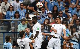 Varane ouvre le score avant la mi-temps.