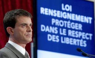 Le Premier ministre Manuel Valls présentant le projet de loi sur le renseignement lors d'une conférence de presse à l'Elysée le 19 mars 2015