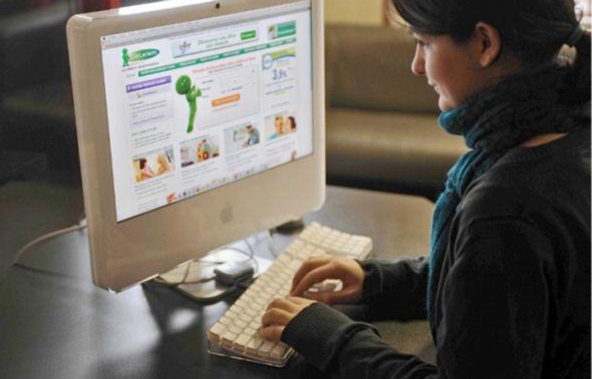Selon la future loi, les prêteurs seront obligés de vérifier la solvabilité de leurs clients. –  CHAMUSSY / SIPA