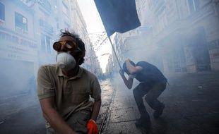 Des manifestants ont défilé vendredi 31 mai 2013 à Istanbul pour protester contre le gouvernement turc.