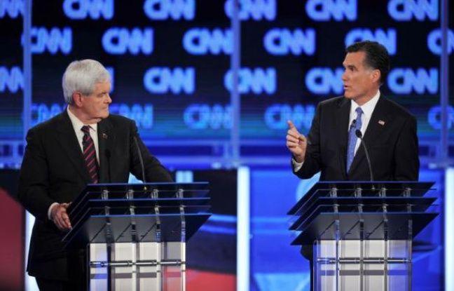 Les deux principaux candidats républicains à l'élection présidentielle américaine ont sorti les couteaux jeudi soir en Floride, s'attaquant violemment sur l'immigration, leurs investissements et même la conquête de la lune, au point d'en oublier presque de critiquer le président Obama.
