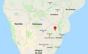 Six mineurs ont été tués lundi 2 avril dans l'incendie criminel de leur bus, à Driekop en Afrique du Sud.