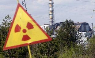 Ce panneau indique un taux de radioactivit élevé dans la zone.