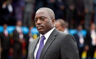 Le parti du président de la République démocratique du Congo (RDC) Joseph Kabila et ses alliés devancent nettement l'opposition aux élections législatives du 28 novembre 2011, selon les résultats donnés dans la nuit de jeudi à vendredi par la Commission électorale et portant sur près de 87% des 500 sièges à attribuer.