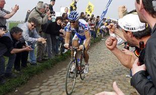 Le cycliste belge Tom Boonen, lors du Paris Roubaix, le 12 avril 2009.