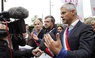 Paris, le 5 octobre 2014. Laurent Wauquiez, soutien de Nicolas Sarkozy, dévoile sa position sur le mariage pour tous lors du défilé de la «Manif pour tous».