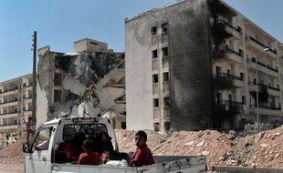 Le président syrien Bachar al-Assad a rejeté l'idée d'une zone-tampon en Syrie pour protéger les réfugiés et s'est montré intraitable dans sa volonté de vaincre la rébellion après plus de 17 mois d'un conflit dévastateur, lors d'une interview diffusée mercredi.