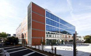 Le centre de recherche sur les maladies émergentes de l'Institut Pasteur, inauguré à Paris le 14 novembre 2012.