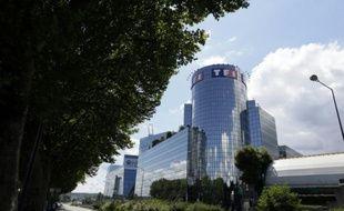 """Le groupe TF1 est entré """"en négociation exclusive"""" avec la société française Newen """"afin de nouer un partenariat dans le domaine de la production et de la distribution de droits audiovisuels"""""""