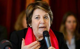 L'avocate Me Corinne Lepage, ancienne ministre française de l'Environnement, lors d'une conférence de presse à Genève, le 7 mars 2016