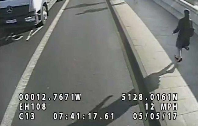 VIDEO. Londres: Un suspect arrêté, soupçonné d'avoir poussé une femme sous un bus