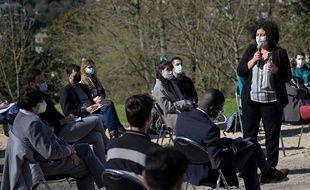 Frédérique Vidal s'adresse à des étudiants de l'université de Poitiers, mardi 23 février.