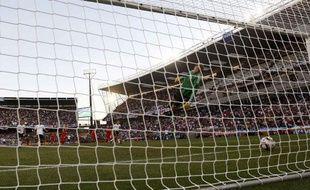 Mais le fait de match le plus marquant est ce but refusé à Frank Lampard, qui aurait permis à l'Angleterre de recoller à 2-2. Le ballon avait pourtant franchi la ligne.