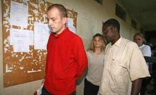 """Les six Français de l'association ont été condamnés le 26 décembre par la Cour criminelle de N'Djamena pour """"tentative d'enlèvement"""" et purgent une peine de huit ans en France, où ils ont été transférés après leur procès."""