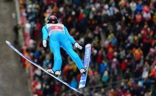 Le Norvégien Anders Jacobsen a a frappé les esprits en dominant le concours d'Oberstdorf, première étape de la prestigieuse tournée des Quatre tremplins de saut à skis, dimanche.