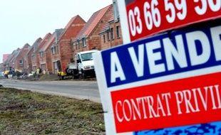 L'avenir s'assombrit pour le secteur du logement neuf avec une chute, annoncée mardi, de près de 25% des ventes des promoteurs au troisième trimestre et un plongeon de 20% des permis de construire en octobre, signe que l'année 2013 ne sera pas meilleure par rapport à 2012.