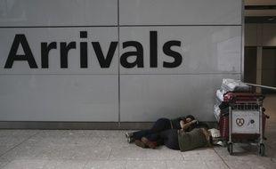 Le trafic a été suspendu à l'aéroport britannique de Gatwick après que des drones ont été signalés