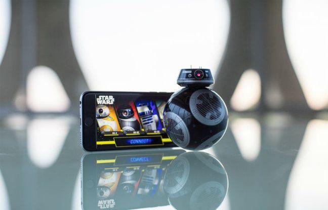 La réplique connectée du robot BB-9E pour jouer depuis un smartphone ou une tablette.