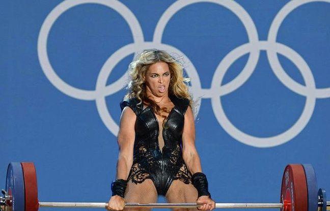 Les photos de Beyonce au Super Bowl sont devenues des mèmes