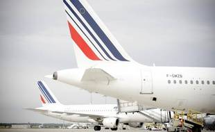 Illustration: Queues d'avions Air France à l'aéroport Toulouse-Blagnac.