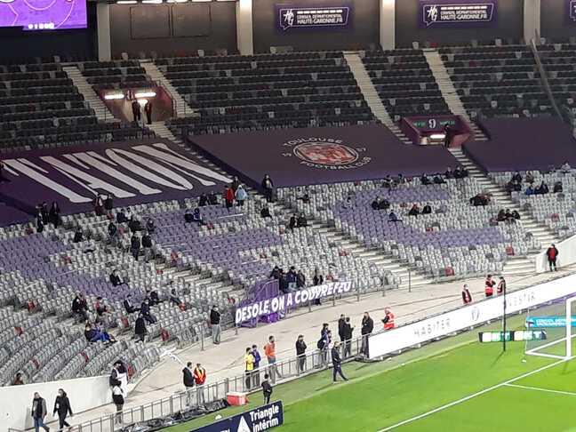 La banderole des Indians Tolosa lors de TFC - Rodez.
