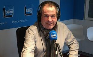 Après 25 ans à l'antenne, Christian Palka va commenter son dernier match de foot mardi lors de Chelsea-Lille