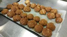 Après les choux pour les Paris-Brest, place aux macarons.