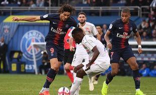 Cavani et Mbappé lors de PSG-Amiens le 20 octobre 2018.