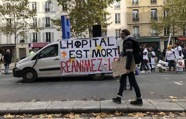 Sur les pancartes, lors de la manifestation jeudi 14 novembre 2019 des hospitaliers, on peut lire des slogans comme