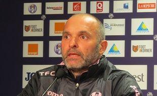 Pascal Dupraz, le nouvel entraîneur du TFC, le 2 mars 2016 au Stadium de Toulouse.