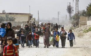 20 000 civils fuient  actuellement la zone